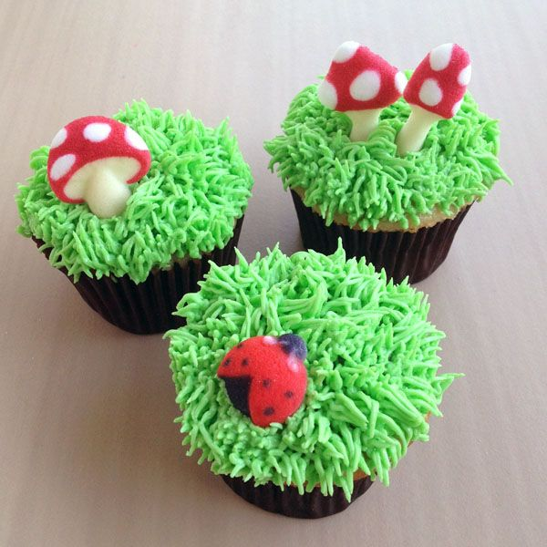 grass cupcakes