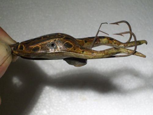 Old rare vintage antique jamison hasting 39 s weedless rubber for Frogs for fishing