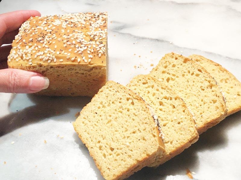 Ancient Grains Gluten Free Bread Mini Loaf Jovial Flour Blend No 1 Https Glutenfreerecipebox Com In 2020 Delicious Gluten Free Recipes Bread Gluten Free Bread