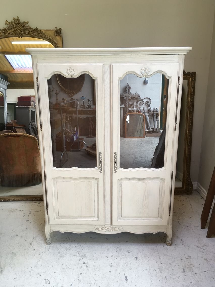 Merveilleux Vintage 1940s French Armoire / Vitrine Bookcase / Frenchfinds.co.uk /  Painted Distressed