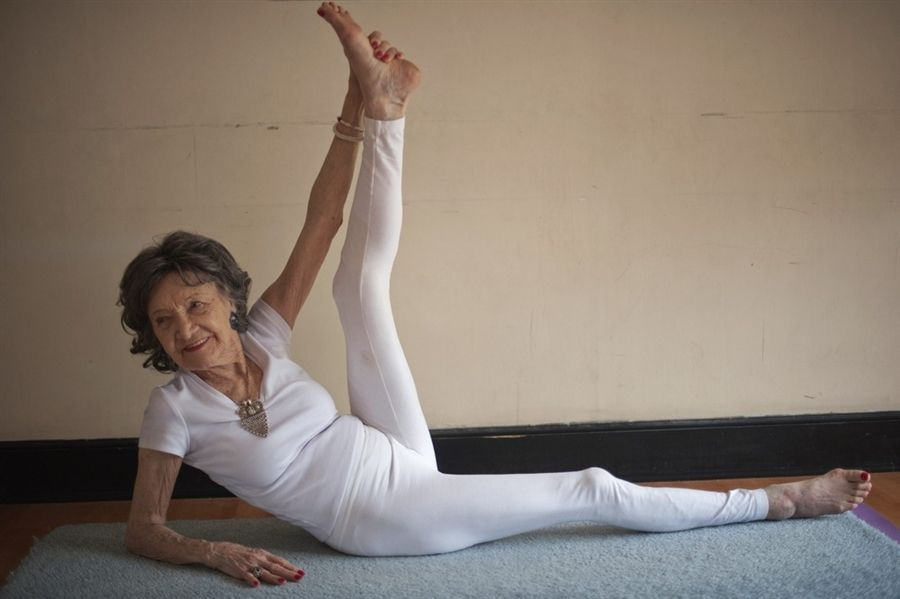 93 Year Old Woman Is The World S Oldest Yoga Instructor Hard Yoga Poses Yoga Teacher Yoga Poses