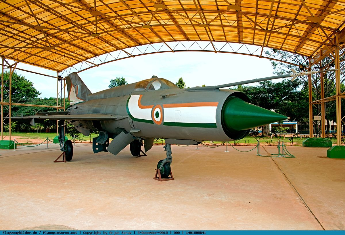 Foto India Air Force MikoyanGurevich MiG21 Fishbed