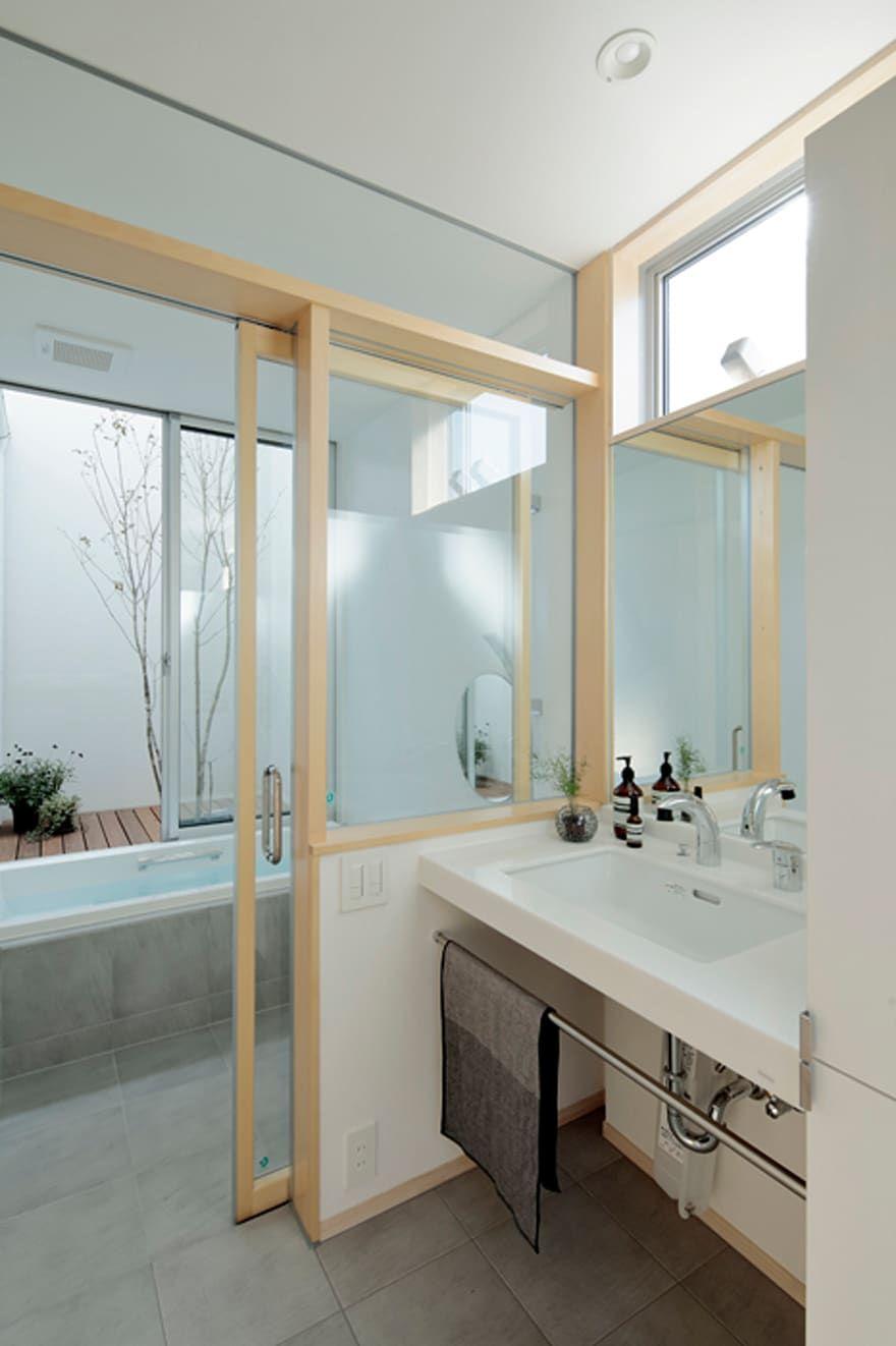 Arc Dが手掛けた阿左美のいえ Homify 浴室の改装 浴室 窓 浴室