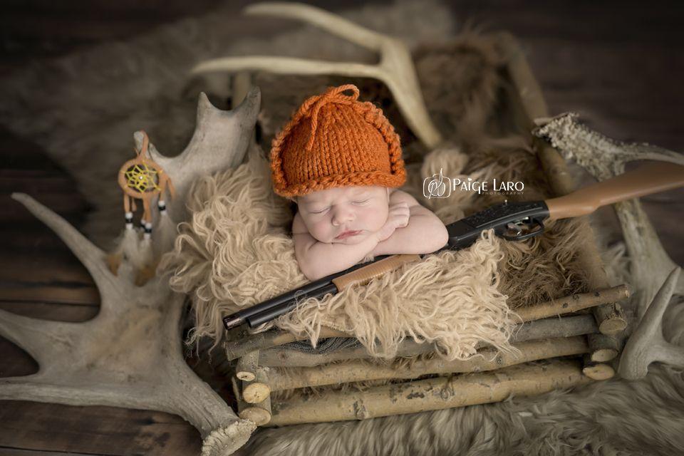 Newborn Photos | Newborn Photography | © Paige Laro Photography | Studio Photography | Hunting | http://www.PaigeLaroPhotography.com