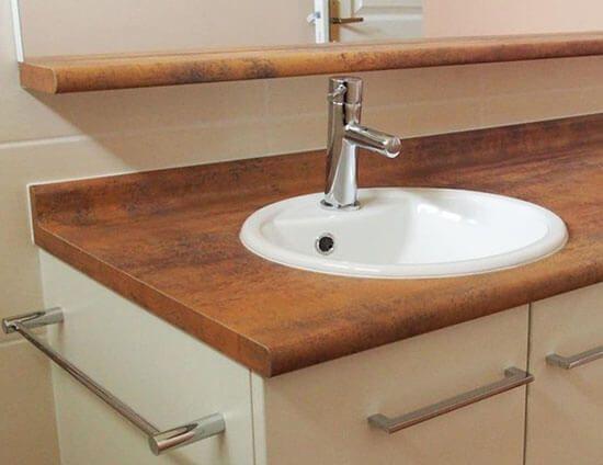 Gagnez de l\u0027espace dans votre salle de bain, en encastrant le lave