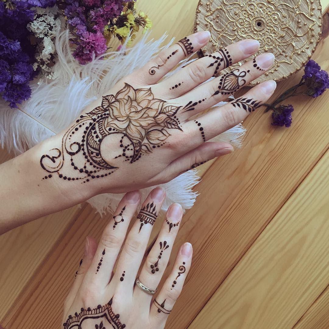 Henna Art By Anna On Instagram Moon And Flowers Henna