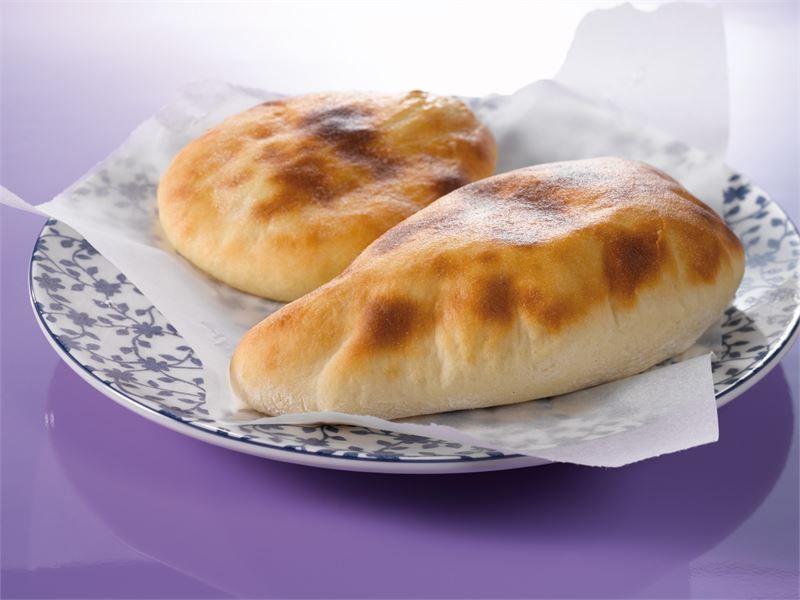Naanleipä - nam nam, helppoa varsinkin pizzakivellä! Ens kerralla voi koittaa soveltaa reseptiä ja lisätä yrttejä tai valkosipulia...
