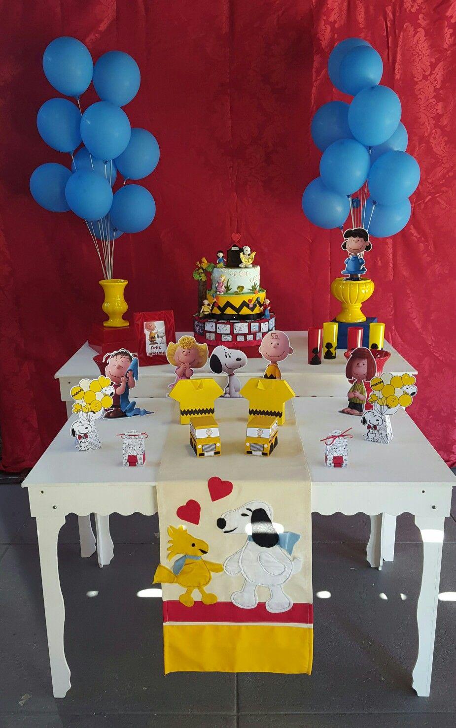 Festa Snoopy. Decoração e papelaria por Ladybugs Festas. #ladybugsfestas #ladybugspapelaria #ladybugsdecoracao #ladybugslocacao