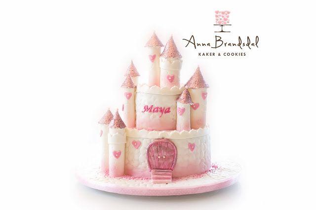 Anna Brandsdal - Kaker & Cookies: Prinsesseslott til Maya Castle cake for a little princess