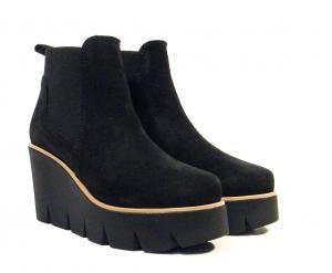 precio competitivo 9317a 63a21 Pin de Laura P en This is so me   Zapatos, Comprar zapatos ...