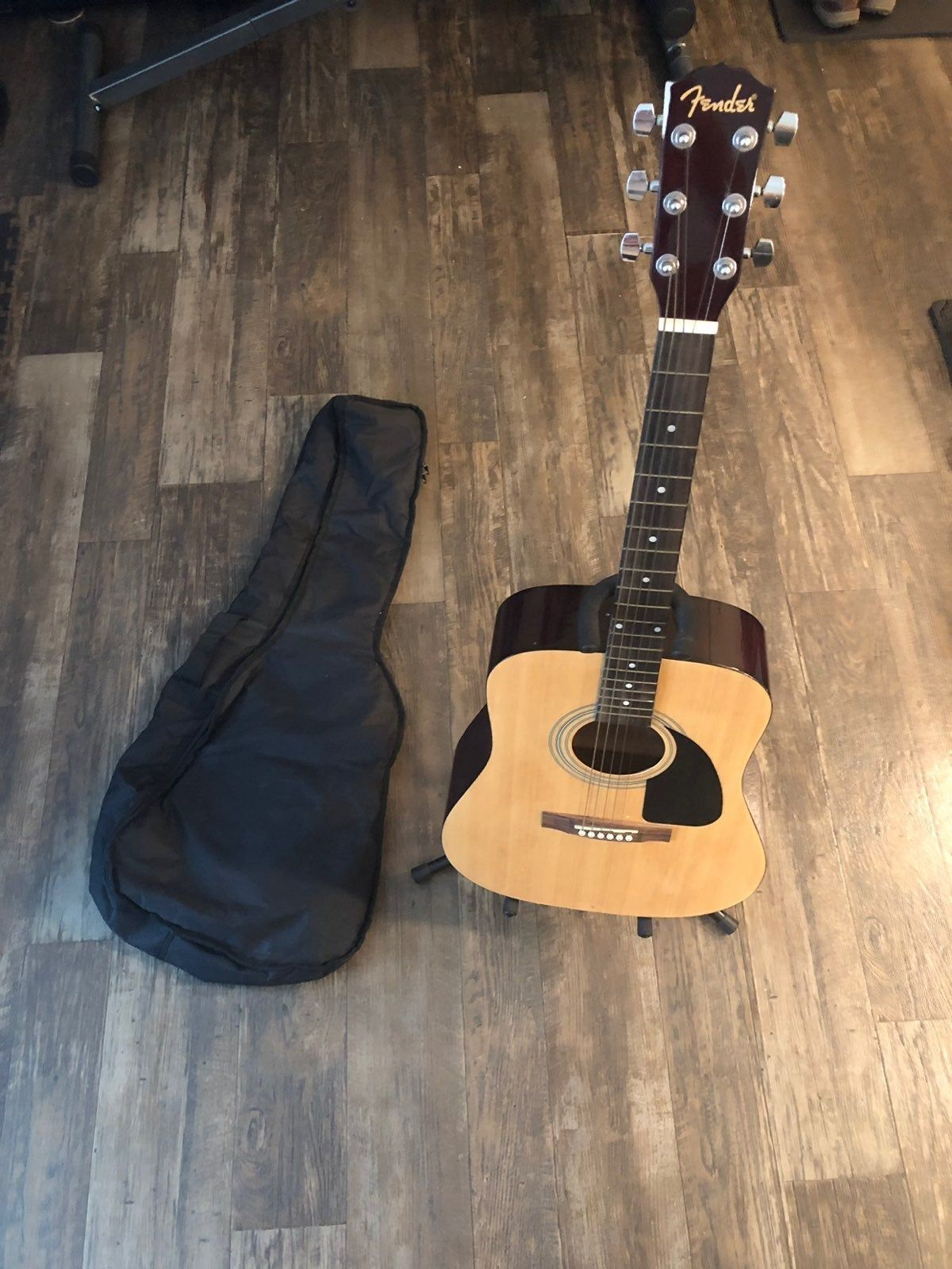 Guitar Along With Everything Shown In Pictures Included Guitar Itself Has A Chip On The Left Corner Show In Pic Guitar Fender Acoustic Fender Acoustic Guitar