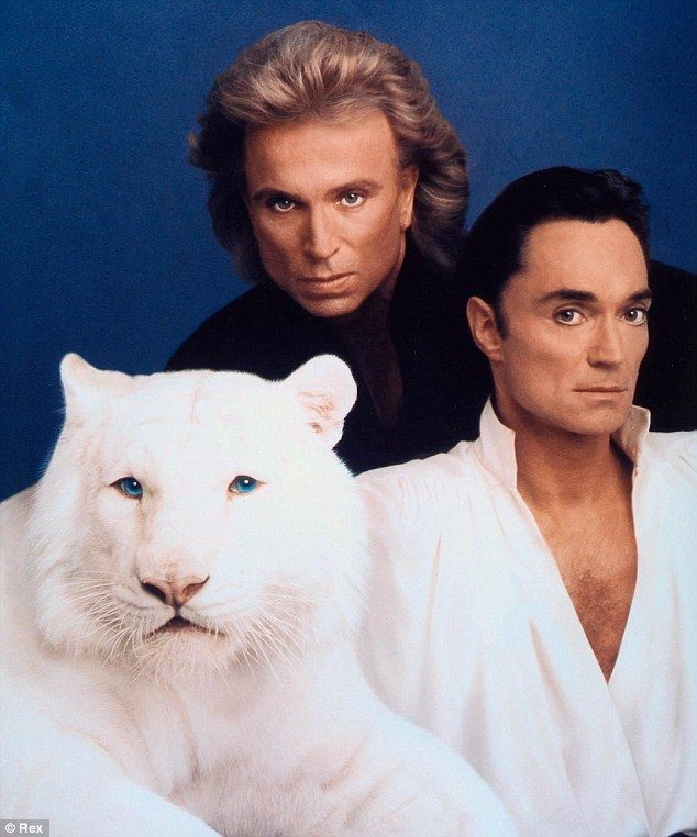 Las Vegas Showmen Siegfried And Roy Enjoy Life Away From The Limelight The Magicians Famous Duos Roy White