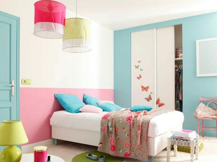 Chambre Fille Fraiche Et Vive Peinture Rose Bleue Et Blanche Chambre Enfant Deco Chambre Decoration Chambre Ado