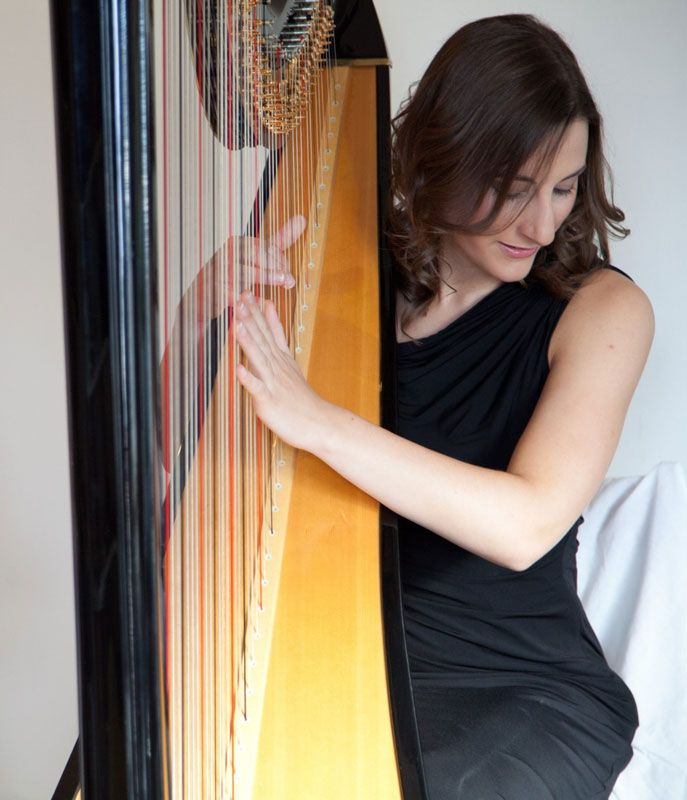 Instrumental Wedding Ceremony Songs: Our London Female Harpist Offers Beautiful And Serene Harp