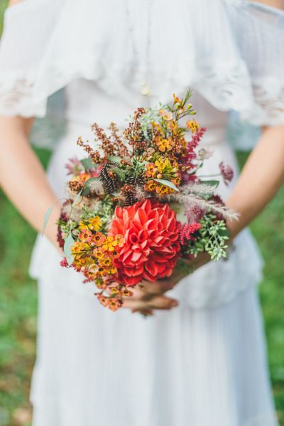 Boho bouquet: http://www.stylemepretty.com/canada-weddings/ontario/2015/01/05/bohemian-inspiration-shoot-3/ | Photography: LV Imagery - http://www.lvimagery.ca/