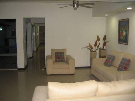 Casa en venta con alberca en colima colima m xico 290 for Apartamentos en sevilla para alquilar por dias