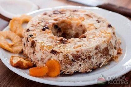 Receita de Pudim de pão e coco especial em receitas de pudins, veja essa e outras receitas aqui!