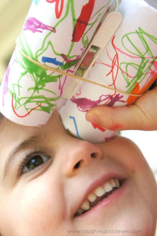 toddler-craft-making-simple-binoculars-from-paper-toilet-rolls-.jpg 550×826 piksel