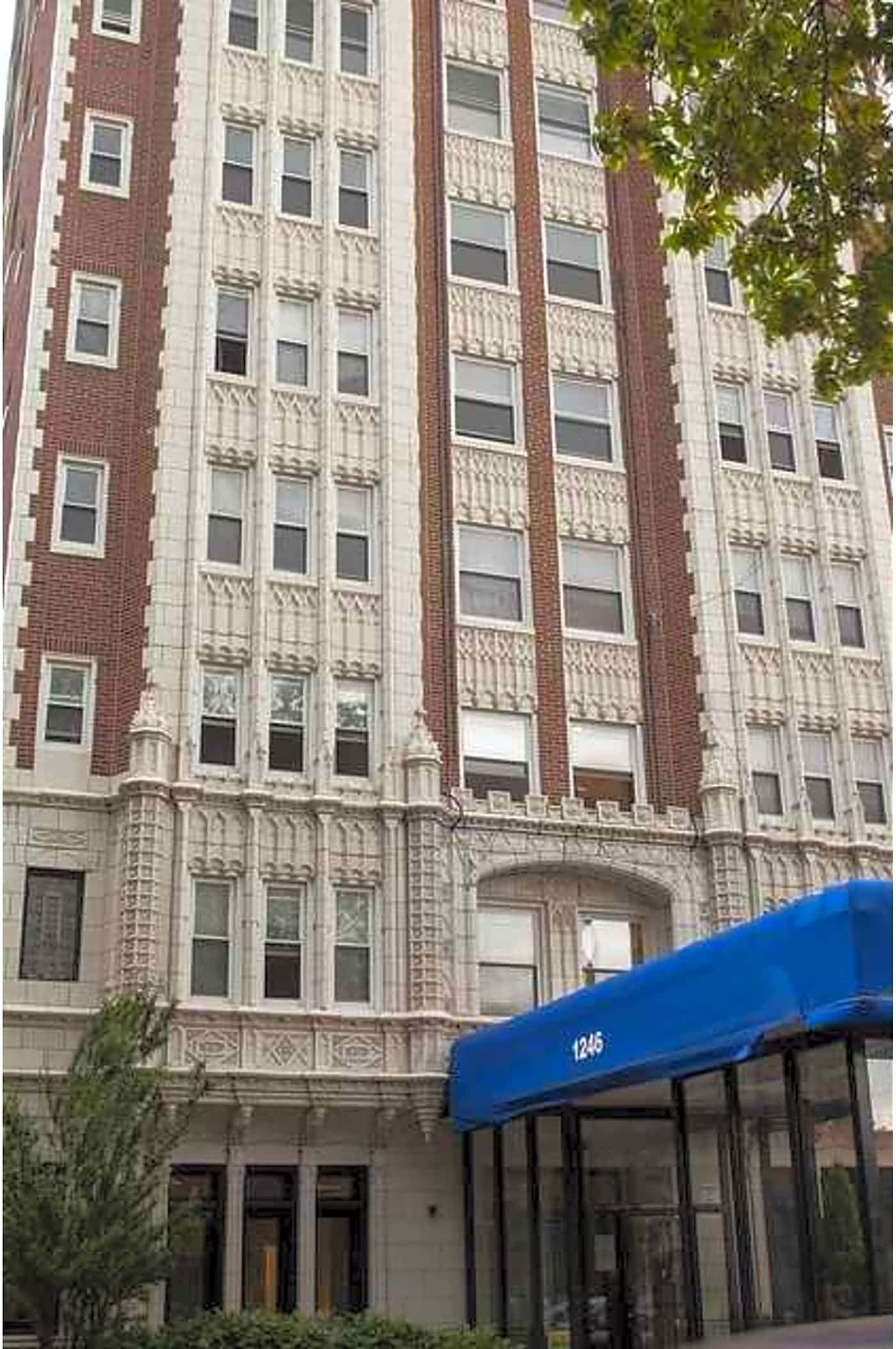 1246 W Pratt Boulevard Chicago Il 60626 Chicago Apartment Apartments For Rent Chicago