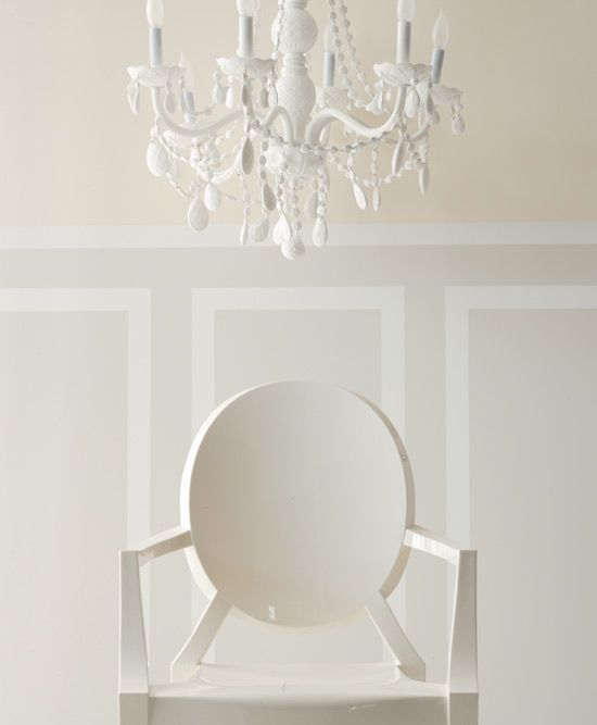 Benjamin Moore Shown Here Are Calming Cream Oc 105 Top Gray Mist 30 And Simply White 117 Bottom