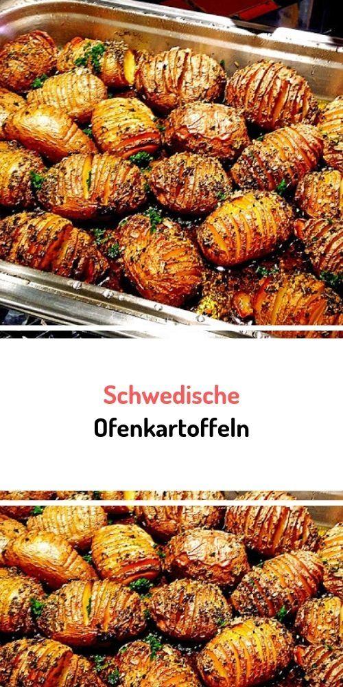 Zutaten 16 m.-große Kartoffel(n), fest kochend ( z.B. Sieglinde oder Frühkartoffeln) 5 EL Olivenöl 40 g Butter Meersalz Pfeffer, schwarz, frisch gemahlen Zubereitung Backofen auf 200 Grad vorheizen (Umluft) Kartoffeln gründlich waschen und bürsten. Kartoffeln quer in ca. 3mm Abständen einschneiden, in einer Auflaufform Butter und Öl erhitzen, Kartoffeln hineingeben, gut darin wenden und mit einem Löffel Fett in die Einschnitte träufeln. Kartoffeln mit den Einschnitten nach oben in die Form ...