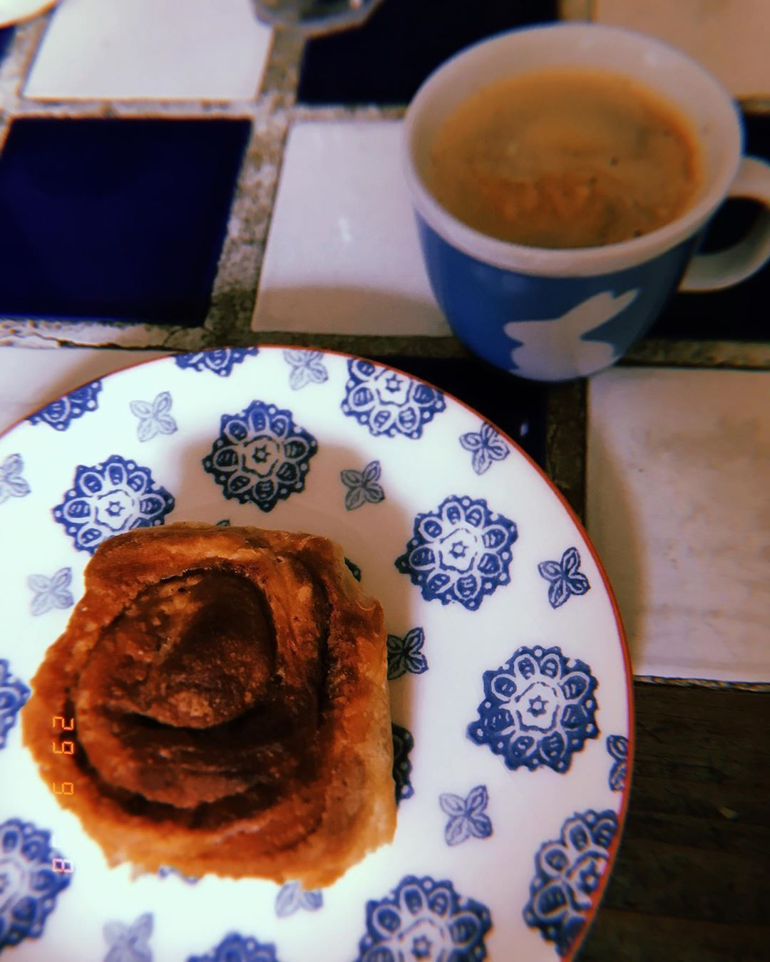 Cinnamon & cardamom buns and coffee make the most indulgent afternoon snack (this followed a giant bacon sarnie so it was a rather indulgent day anyway!) . . . #cinnamonbun #cardamom #baking #homemade #goodfood #instafood #coffee #dessert #cake #afternoontea #foodporn #scotland #lochinver #highlands #holiday #ardmorehouse #cardamombuns Cinnamon & cardamom buns and coffee make the most indulgent afternoon snack (this followed a giant bacon sarnie so it was a rather indulgent day anyway!) . . . #c #cardamombuns
