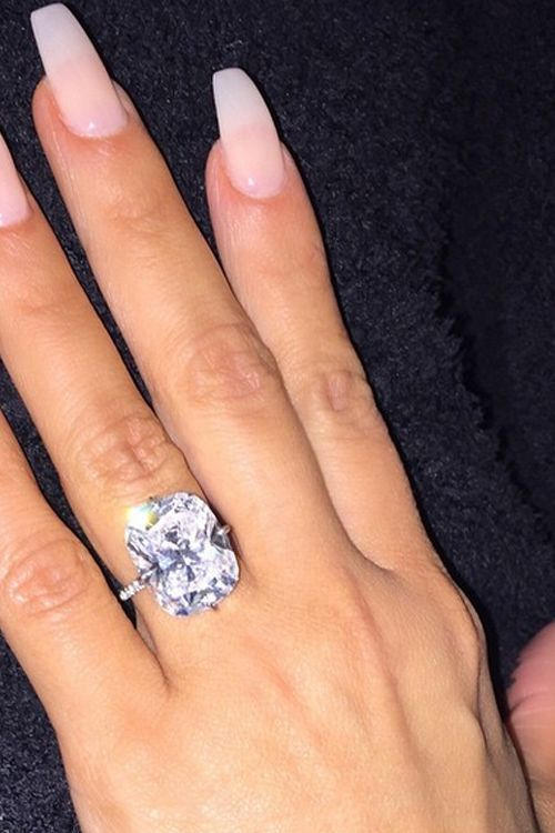 Celebrity Engagement Rings Kim Kardashian 500 750 Celebrity