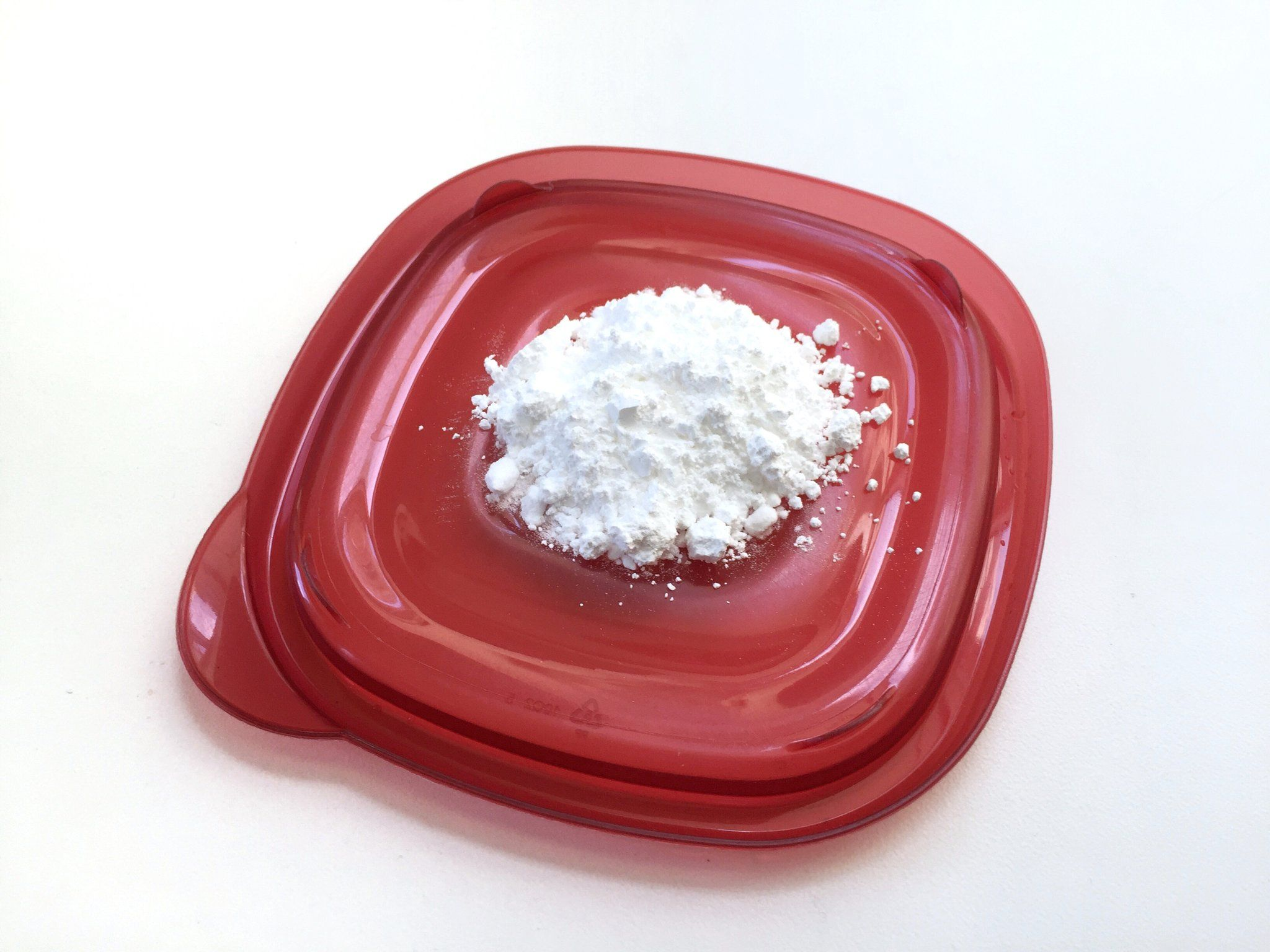 All You Need Is 2 Ingredients For This DIY Ant Trap (baking soda & powdered sugar)