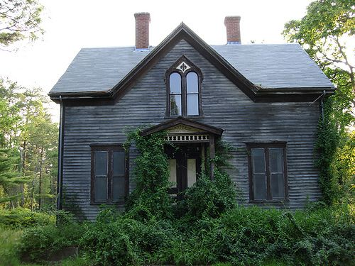 Pin By Margie Forrest On Abandoned Mansions Abandoned Mansions Old Houses Abandoned Houses