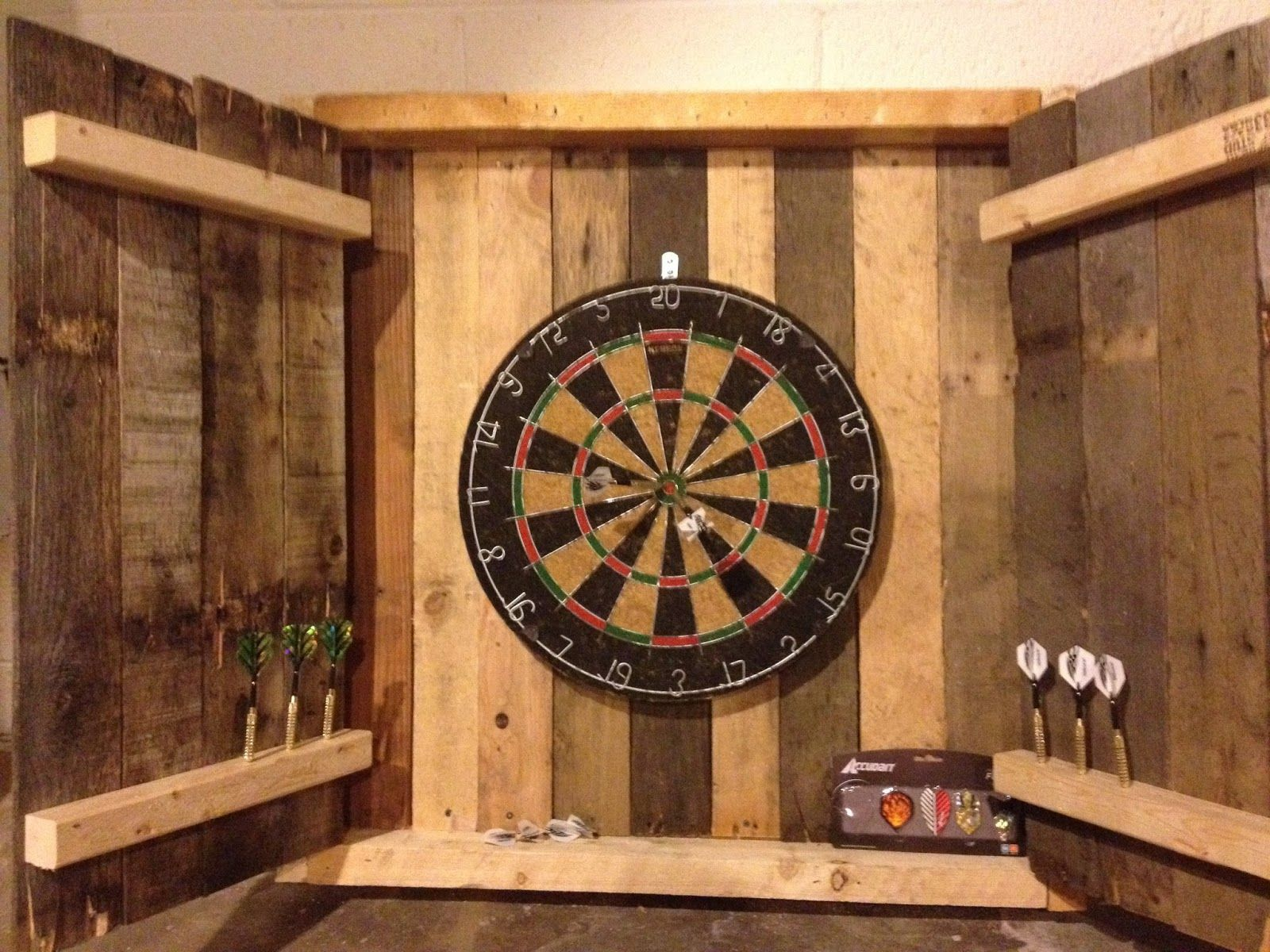 Upcycled Dartboard For Irish Pub Woodworking Projects