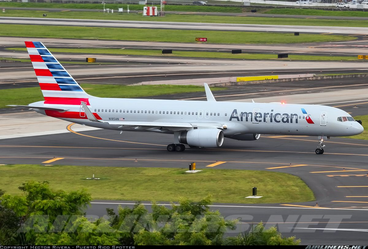 American Airlines First 757 in new livery first time at SJU.  American Airlines - Boeing 757-223.  San Juan - Luis Munoz Marin International (Isla Verde) - Porto Rico