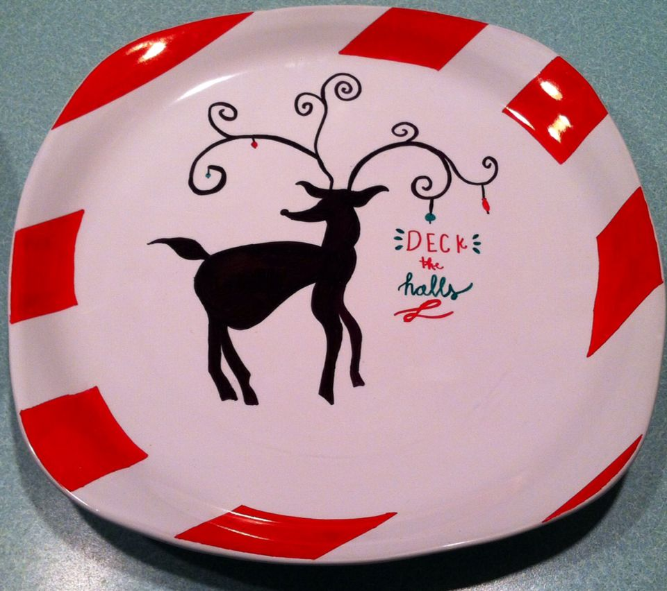 DIY inexpensive cookie plates for holiday decoration or personalized gifts. Cheap ceramic plate sharpies & DIY inexpensive cookie plates for holiday decoration or personalized ...
