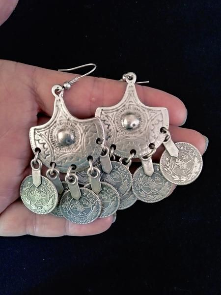 Furniture Strict Selling Jewelry>>long Earrings Miao Jewelry Handmade Miao Silver Personality Earrings Ring Hanging Bell Earrings Crafts At All Costs