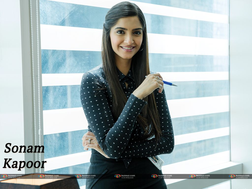 Sonam Kapoor Free Images Pics And Hd Wallpapers Download