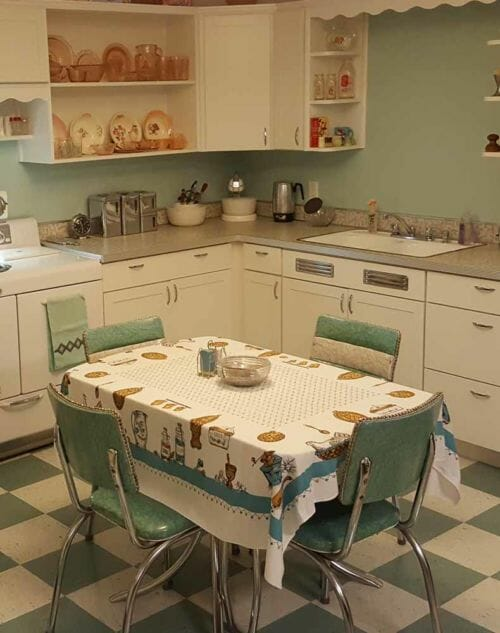 Scott started with one adorable vintage dinette - and built a picture perfect kitchen around it! - Retro Renovation
