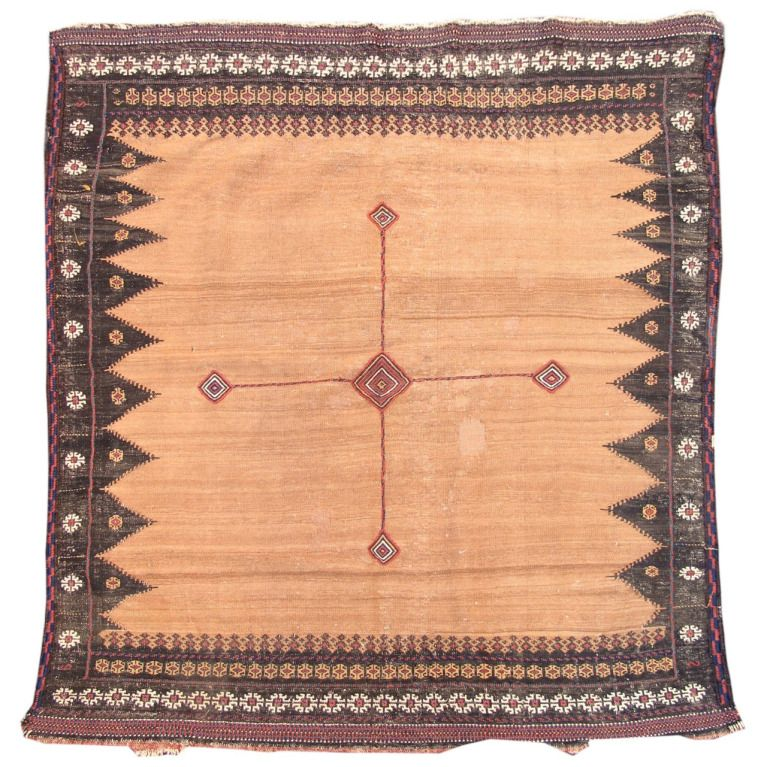 Late 19th century baluch sofreh carpet with camel field for Tejido persa