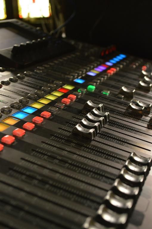 Prosound Network puts the BEHRINGER X32 to the test at the