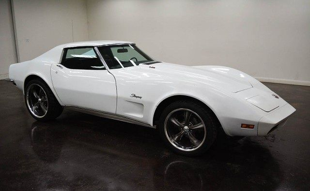 1973 Chevrolet Corvette de transmission 700 R4 automatique - couleur des portes interieur