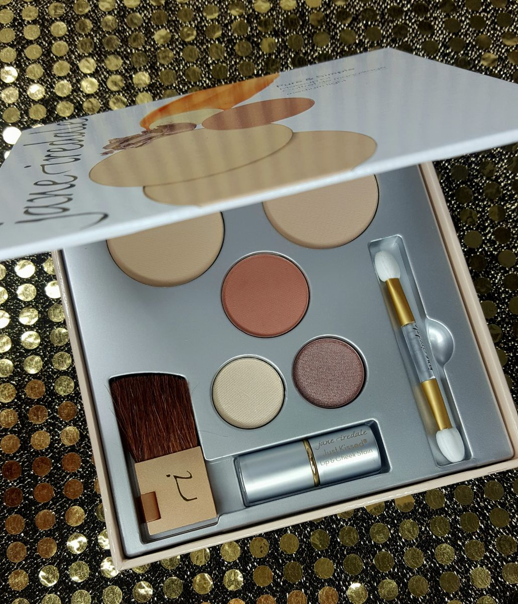 "Jane Iredale ""Pure & Simple"" Makeup Kit Review Simple"