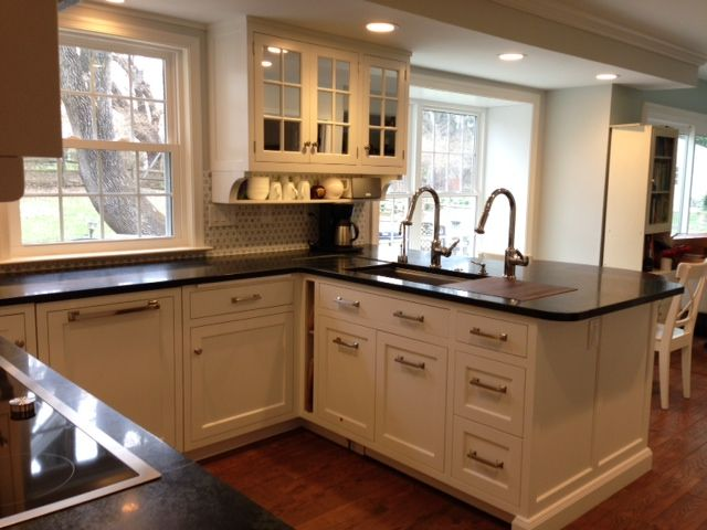 Shallow Shelf With Corbels Under Upper Cabinet Scry25