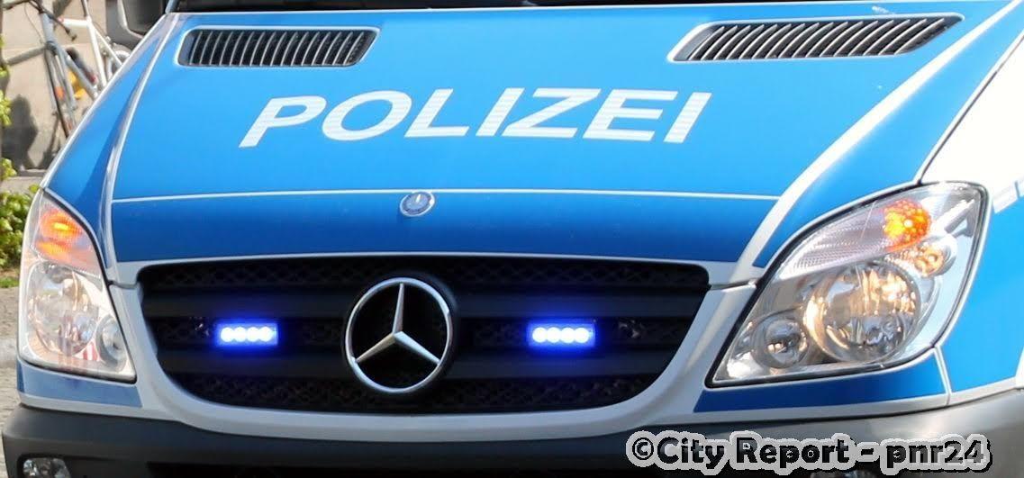 Königs Wusterhausen cyclist injured +++ car broken open
