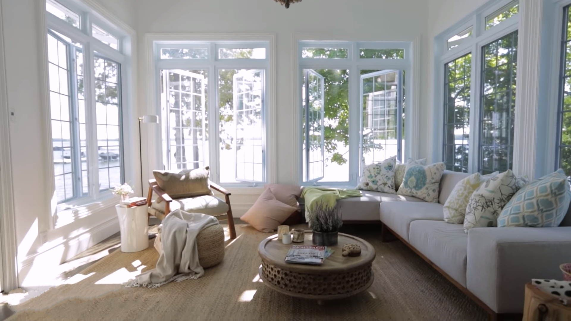 Indoor Sunroom Ideas Gorgeous Living Rooms With Casement Window