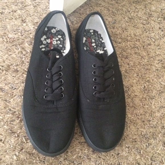 97498d176da953 Target knock off vans Targets knock of version of the vans shoe size 7.  Never worn in great condition. Mossimo Supply Co. Shoes Sneakers