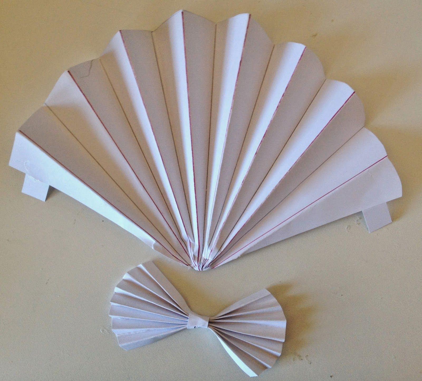 annes papercreations: How to make a 3D Shell Easel card with G45 ...