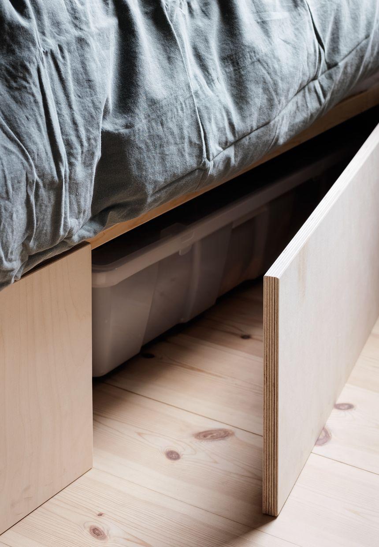 snyd dig til mere plads i et lille sovev relse diy. Black Bedroom Furniture Sets. Home Design Ideas
