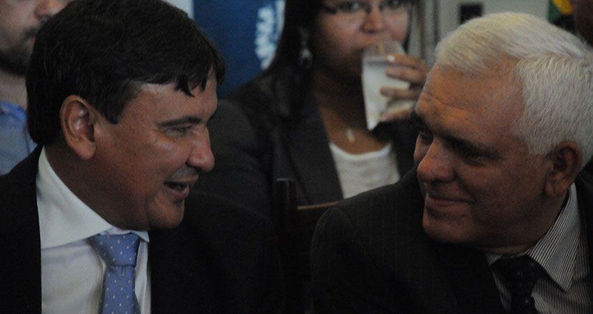 Salário do governador  será o teto do estado +http://brml.co/1FYzE4N