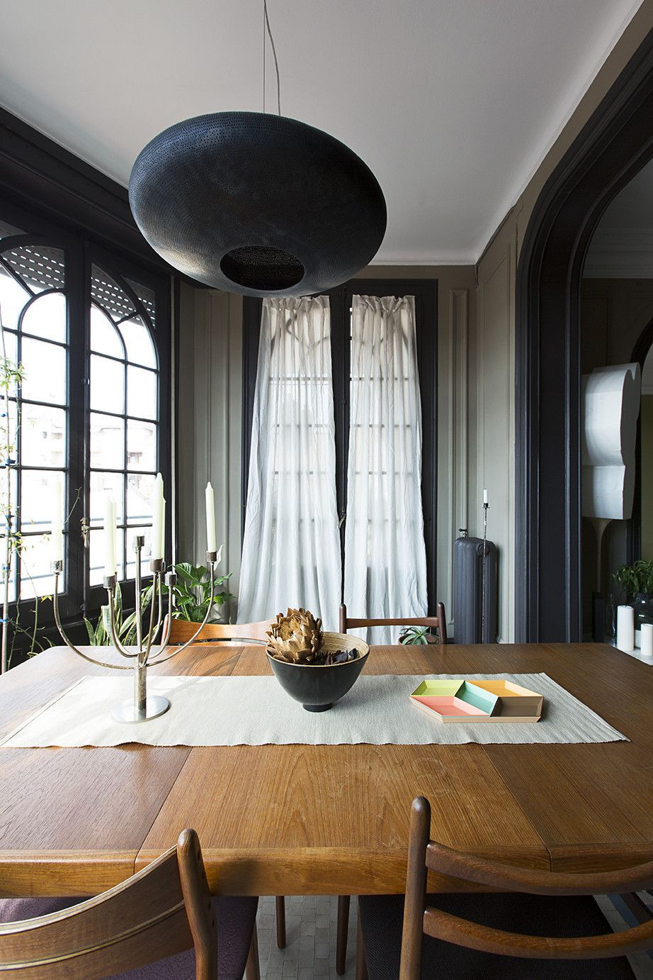 Ten tips a barcelona apartment where midcentury and antique collide