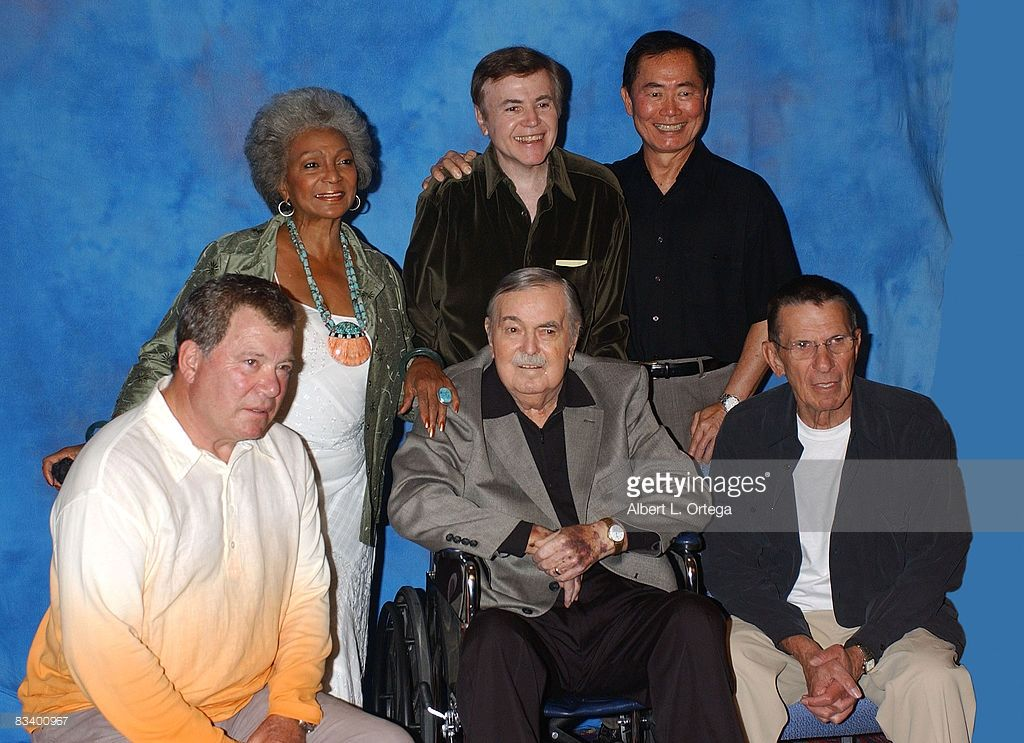 Nichelle Nichols Walter Koenig George Takei William Shatner James Doohan And Leonard Nimoy Star Trek Enterprise Star Trek Original William Shatner