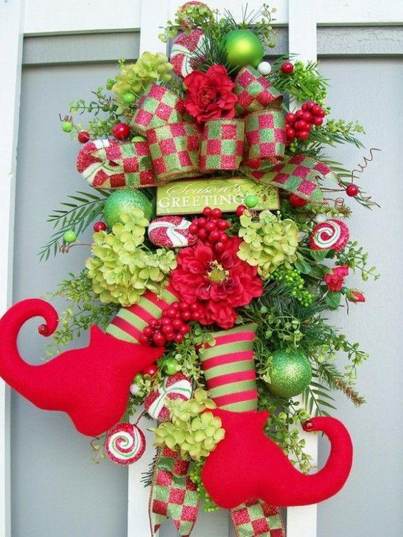 precioso adorno navideo para la puerta de entrada