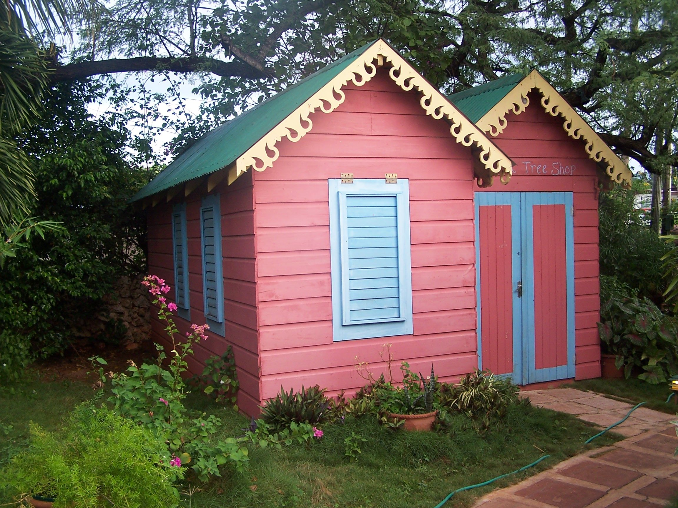 Gingerbread and color in Jamaica | Colors of the Caribbean ...